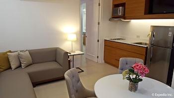 Pontefino Hotel Batangas Living Area