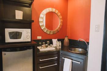 Pontefino Hotel Batangas In-Room Kitchenette