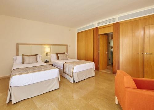 . Blau PortoPetro Beach Resort & Spa