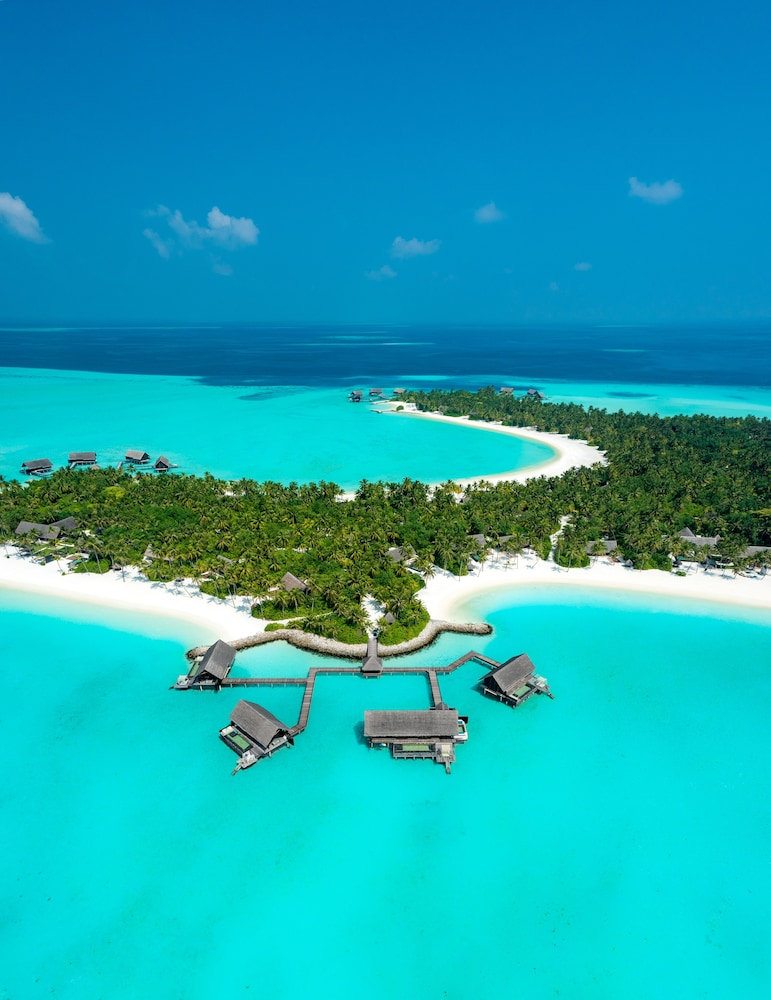 One&Only Reethi Rah, Featured Image