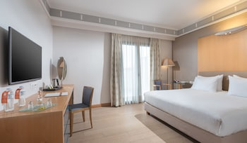 Deluxe Room (Acropolis or City View)