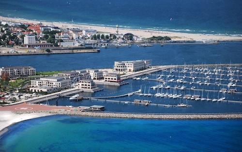 . Yachthafenresidenz Hohe Duene