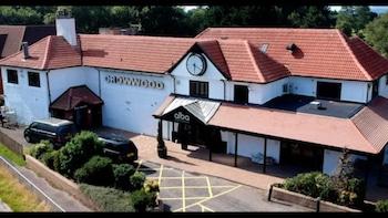 HALO CROWWOOD HOTEL