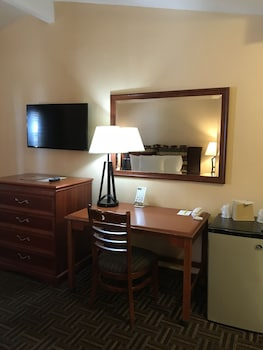 Room, 1 King Bed, Kitchenette