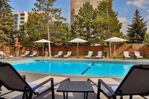 . Sheraton Parkway Toronto North Hotel & Suites