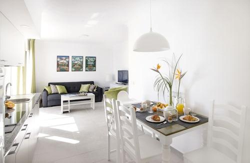 . El Guarapo Apartamentos