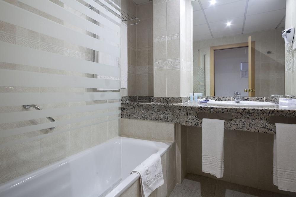 베스트 오아시스 트로피칼(Best Oasis Tropical) Hotel Image 7 - Bathroom