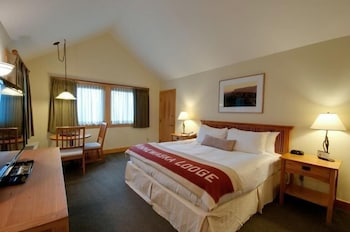 1 King Bed With Cliff View
