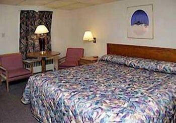 로드웨이 인 웨스트민스터(Rodeway Inn Westminster) Hotel Image 5 - Guestroom