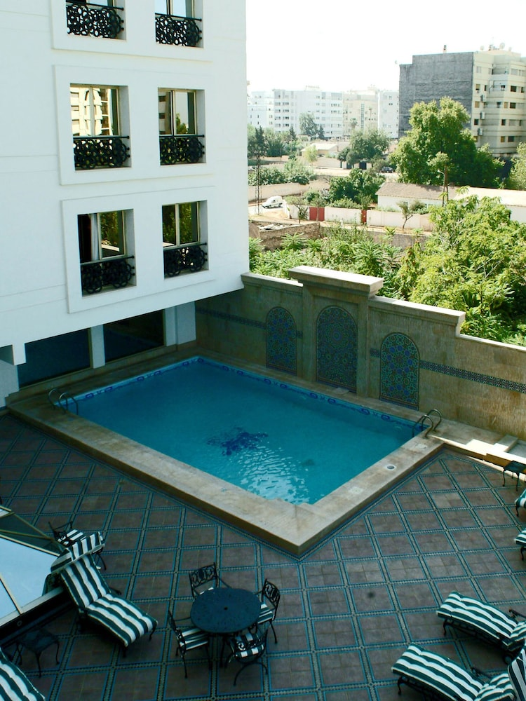 라마다 페스(Ramada Fes) Hotel Image 58 - Outdoor Pool
