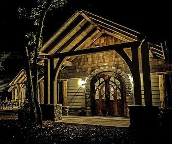 Hotel - Dancing Bear Lodge
