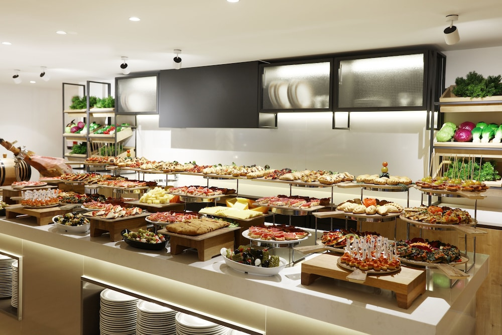 이베로스타 스위트 호텔 하르딘 델 솔 - 어른 전용(Iberostar Suites Hotel Jardín del Sol – Adults Only) Hotel Image 49 - Food and Drink