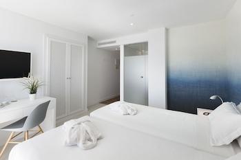 Premium Double Room, Balcony, Partial Sea View