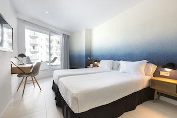 Double Room Single Use, Balcony, Partial Sea View