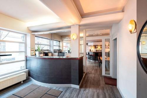 Bruksela - Beverly Hills Hotel - z Krakowa, 31 marca 2021, 3 noce