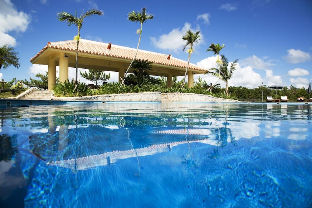 오키나와 매리어트 리조트 앤드 스파(Okinawa Marriott Resort & Spa) Hotel Image 30 - Outdoor Pool