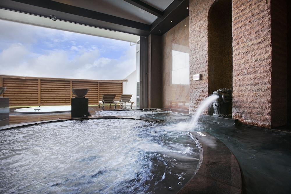 오키나와 매리어트 리조트 앤드 스파(Okinawa Marriott Resort & Spa) Hotel Image 87 - Indoor Spa Tub