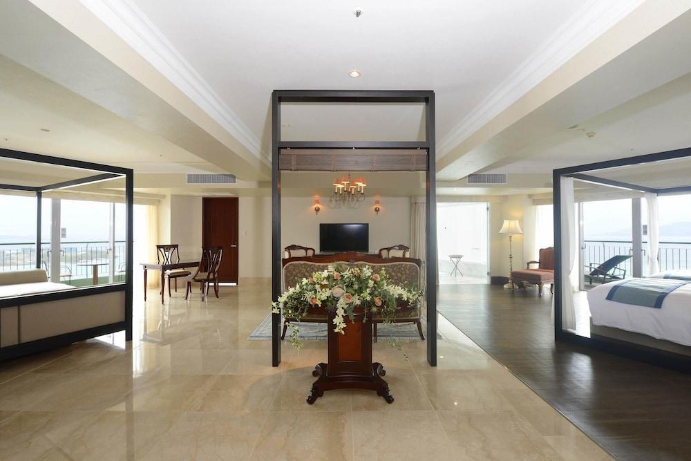 오키나와 매리어트 리조트 앤드 스파(Okinawa Marriott Resort & Spa) Hotel Image 13 - Guestroom