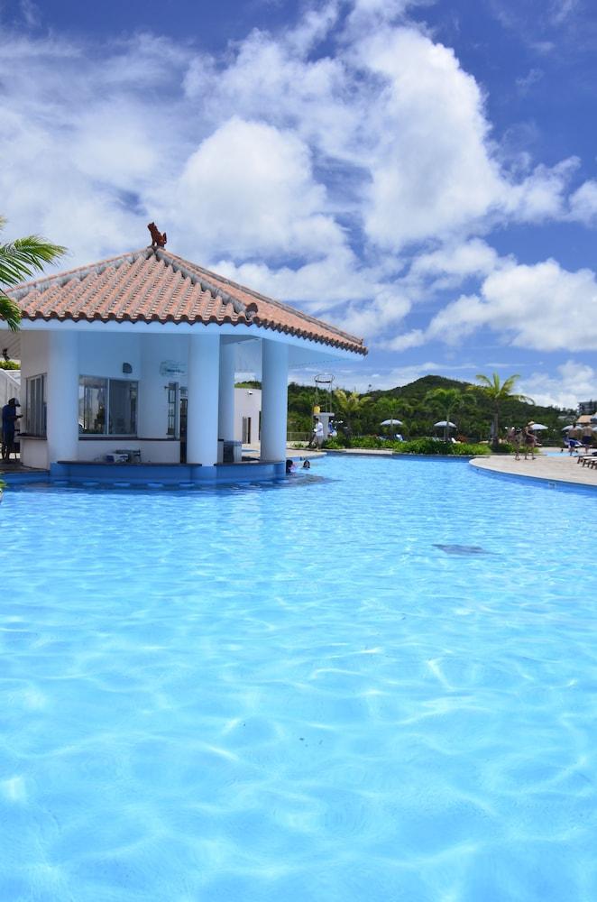오키나와 매리어트 리조트 앤드 스파(Okinawa Marriott Resort & Spa) Hotel Image 63 - Outdoor Pool
