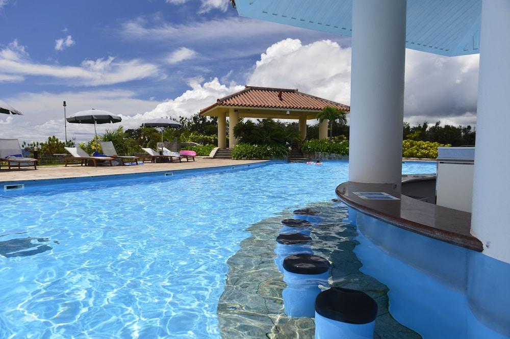오키나와 매리어트 리조트 앤드 스파(Okinawa Marriott Resort & Spa) Hotel Image 73 - Outdoor Pool