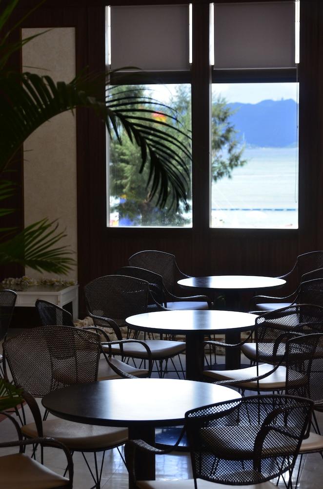 오키나와 매리어트 리조트 앤드 스파(Okinawa Marriott Resort & Spa) Hotel Image 140 - Hotel Lounge