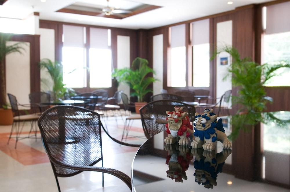 오키나와 매리어트 리조트 앤드 스파(Okinawa Marriott Resort & Spa) Hotel Image 139 - Hotel Lounge