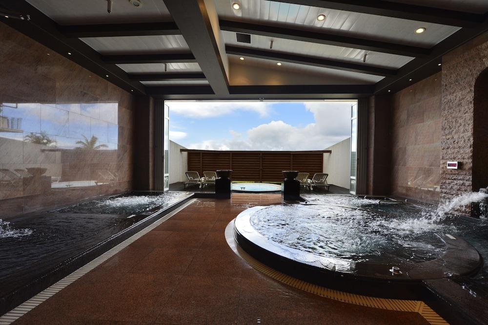 오키나와 매리어트 리조트 앤드 스파(Okinawa Marriott Resort & Spa) Hotel Image 82 - Indoor Spa Tub