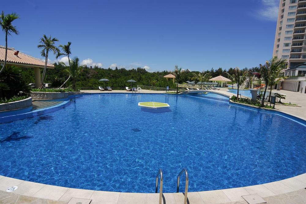 오키나와 매리어트 리조트 앤드 스파(Okinawa Marriott Resort & Spa) Hotel Image 44 - Outdoor Pool