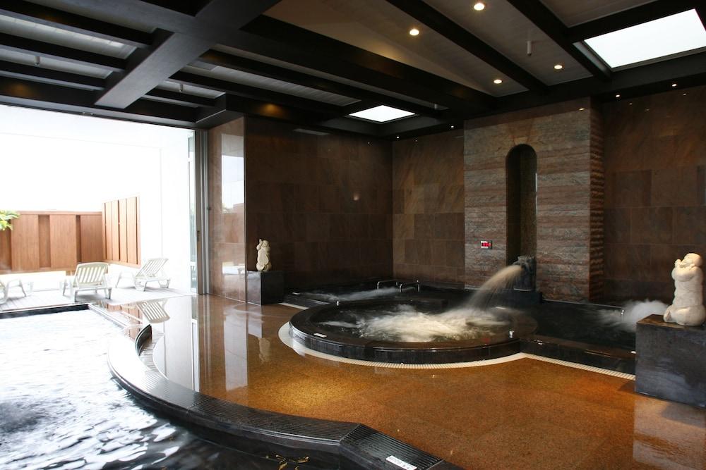 오키나와 매리어트 리조트 앤드 스파(Okinawa Marriott Resort & Spa) Hotel Image 80 - Indoor Spa Tub