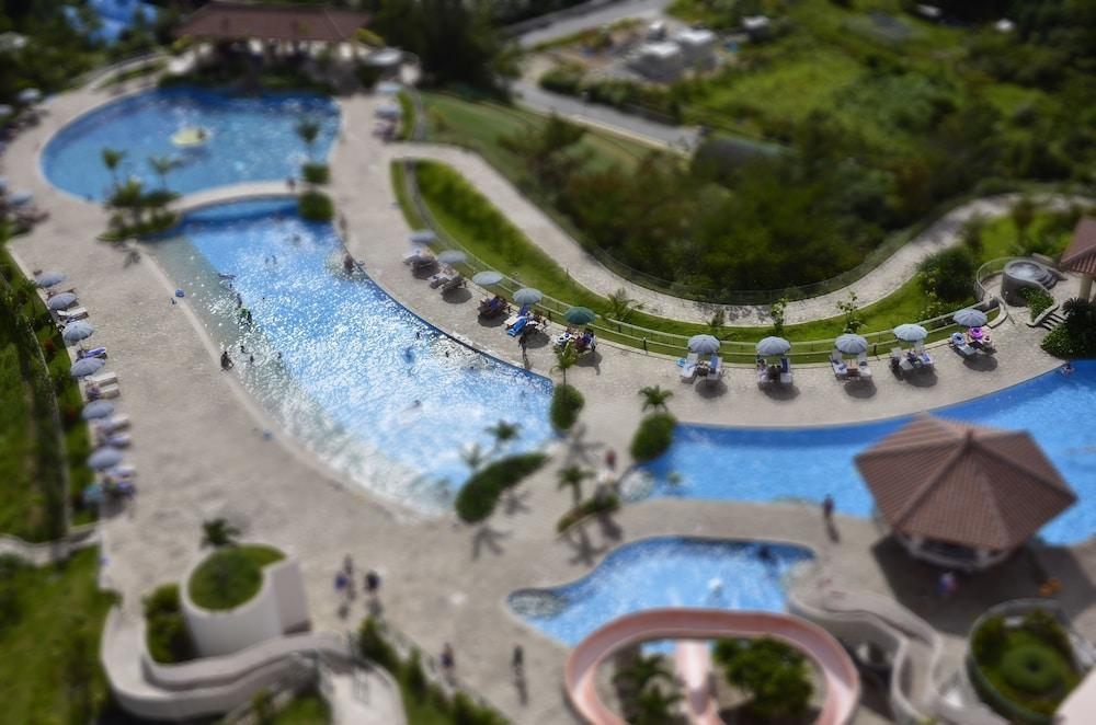 오키나와 매리어트 리조트 앤드 스파(Okinawa Marriott Resort & Spa) Hotel Image 45 - Outdoor Pool