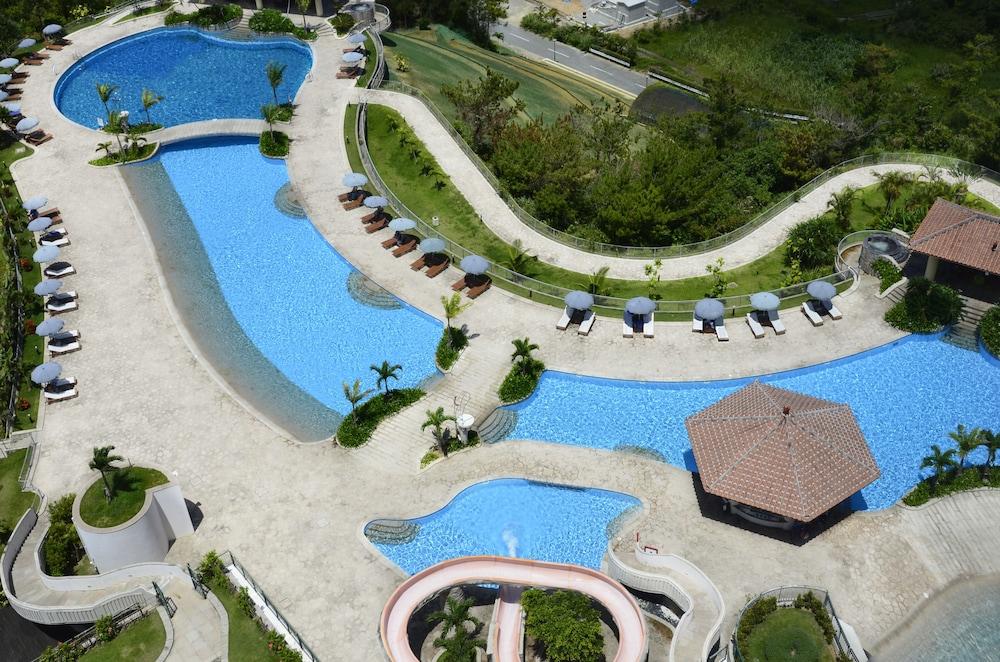 오키나와 매리어트 리조트 앤드 스파(Okinawa Marriott Resort & Spa) Hotel Image 74 - Outdoor Pool