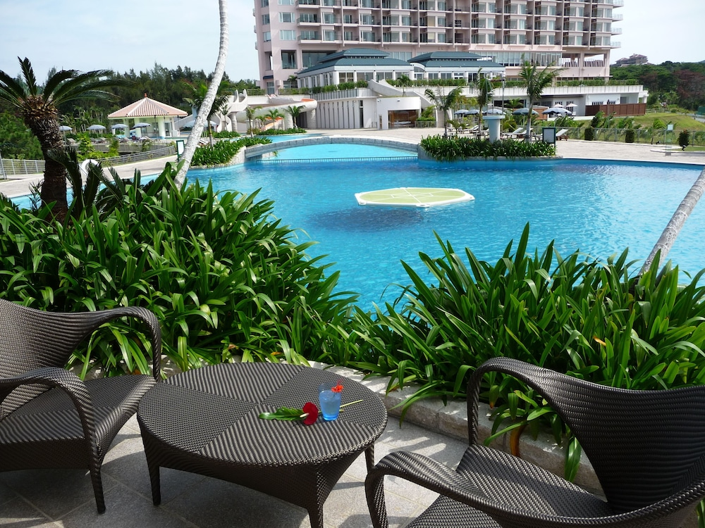 오키나와 매리어트 리조트 앤드 스파(Okinawa Marriott Resort & Spa) Hotel Image 144 - Poolside Bar