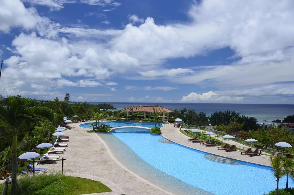 오키나와 매리어트 리조트 앤드 스파(Okinawa Marriott Resort & Spa) Hotel Image 70 - Outdoor Pool