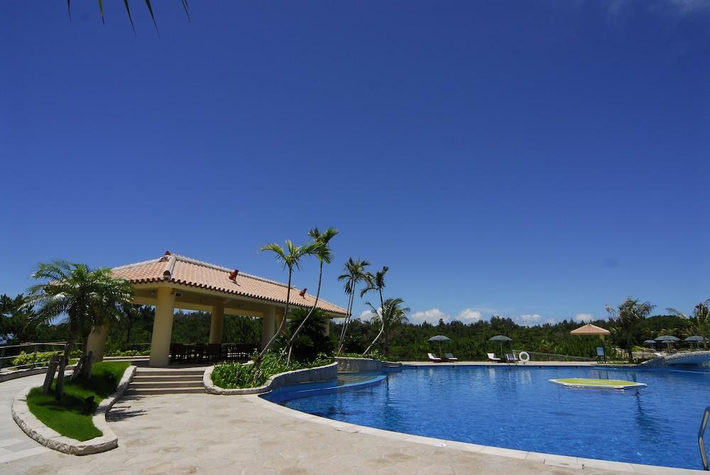 오키나와 매리어트 리조트 앤드 스파(Okinawa Marriott Resort & Spa) Hotel Image 78 - Outdoor Pool