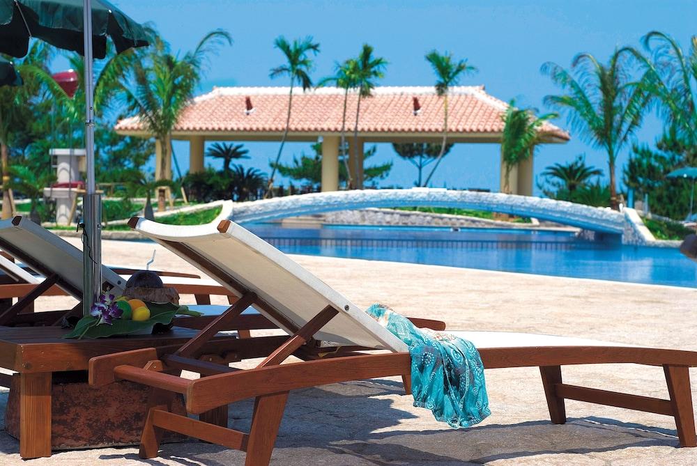 오키나와 매리어트 리조트 앤드 스파(Okinawa Marriott Resort & Spa) Hotel Image 33 - Outdoor Pool