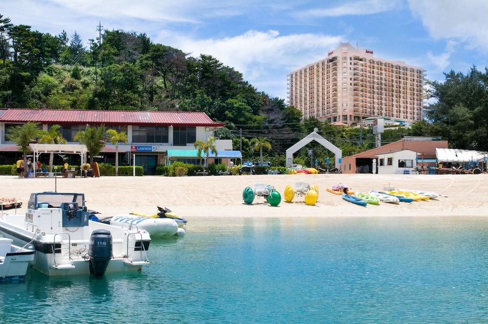 오키나와 매리어트 리조트 앤드 스파(Okinawa Marriott Resort & Spa) Hotel Image 163 - Hotel Front