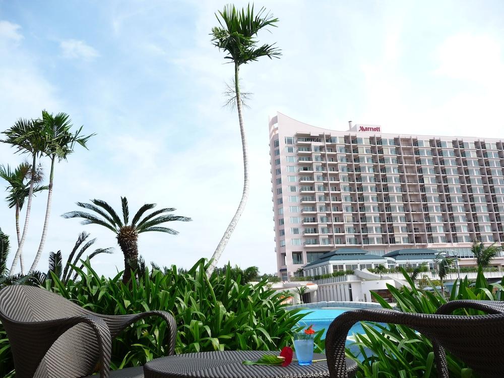 오키나와 매리어트 리조트 앤드 스파(Okinawa Marriott Resort & Spa) Hotel Image 142 - Poolside Bar