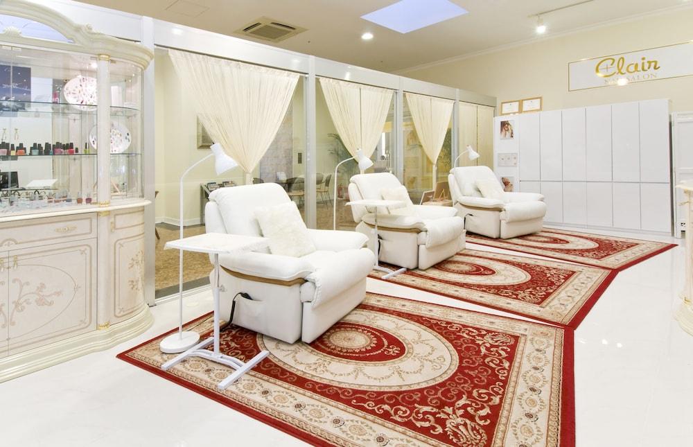 오키나와 매리어트 리조트 앤드 스파(Okinawa Marriott Resort & Spa) Hotel Image 95 - Nail Salon