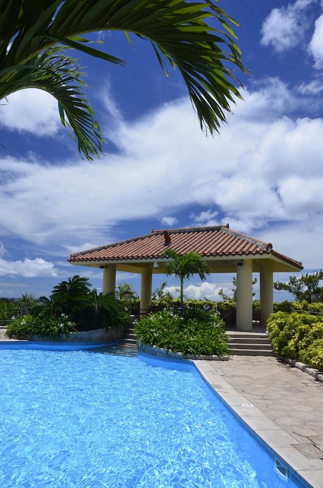 오키나와 매리어트 리조트 앤드 스파(Okinawa Marriott Resort & Spa) Hotel Image 50 - Outdoor Pool
