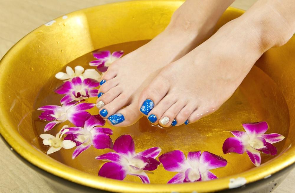 오키나와 매리어트 리조트 앤드 스파(Okinawa Marriott Resort & Spa) Hotel Image 91 - Nail Salon