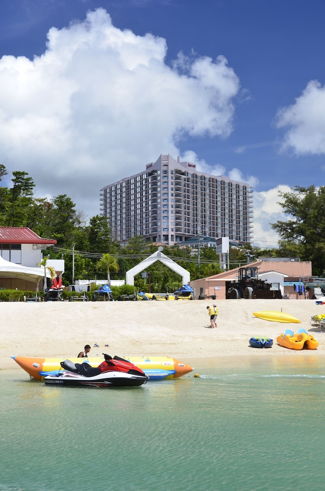 오키나와 매리어트 리조트 앤드 스파(Okinawa Marriott Resort & Spa) Hotel Image 165 - Hotel Front
