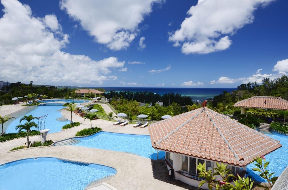 오키나와 매리어트 리조트 앤드 스파(Okinawa Marriott Resort & Spa) Hotel Image 72 - Outdoor Pool