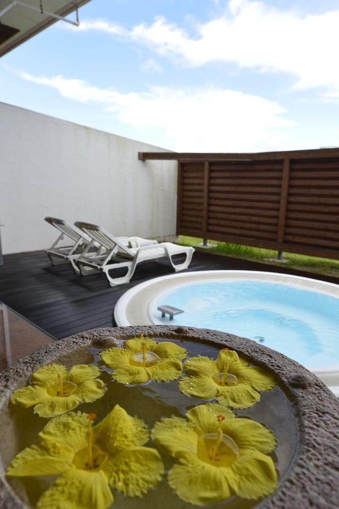 오키나와 매리어트 리조트 앤드 스파(Okinawa Marriott Resort & Spa) Hotel Image 79 - Outdoor Spa Tub