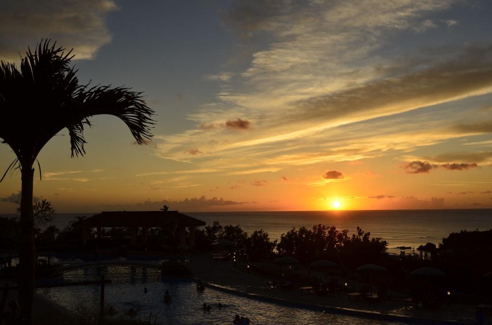오키나와 매리어트 리조트 앤드 스파(Okinawa Marriott Resort & Spa) Hotel Image 71 - Outdoor Pool