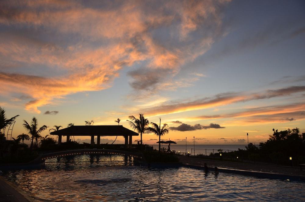 오키나와 매리어트 리조트 앤드 스파(Okinawa Marriott Resort & Spa) Hotel Image 39 - Outdoor Pool