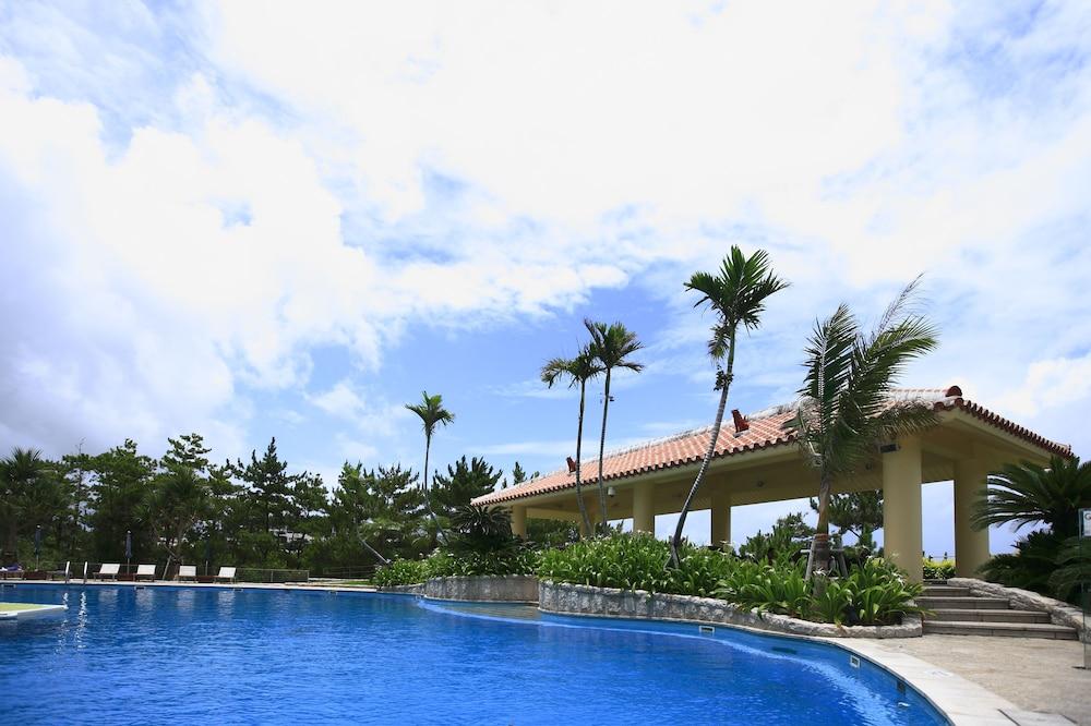 오키나와 매리어트 리조트 앤드 스파(Okinawa Marriott Resort & Spa) Hotel Image 60 - Outdoor Pool