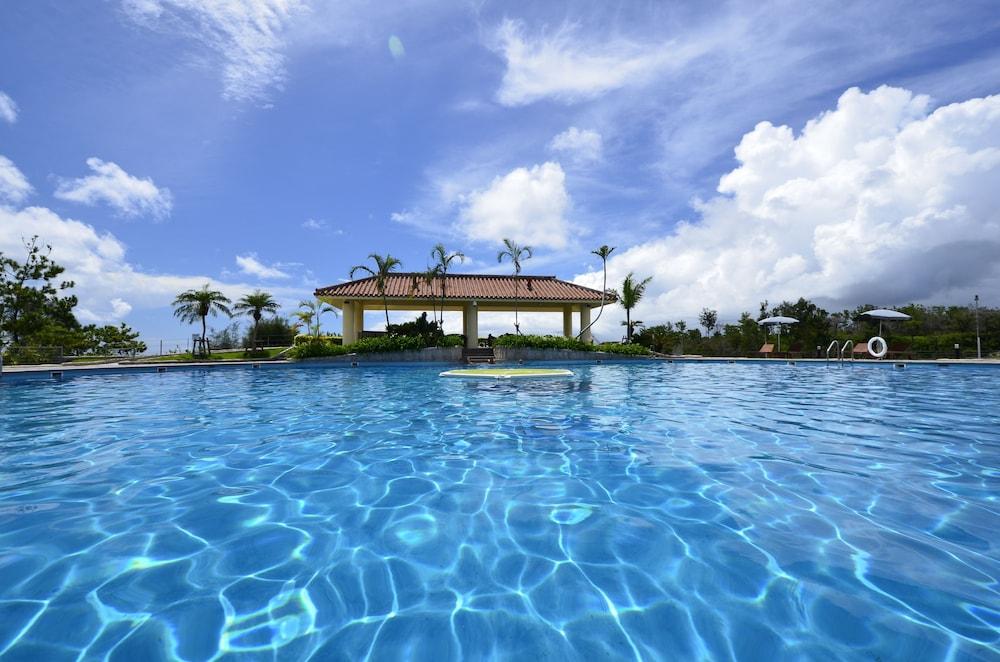 오키나와 매리어트 리조트 앤드 스파(Okinawa Marriott Resort & Spa) Hotel Image 43 - Outdoor Pool