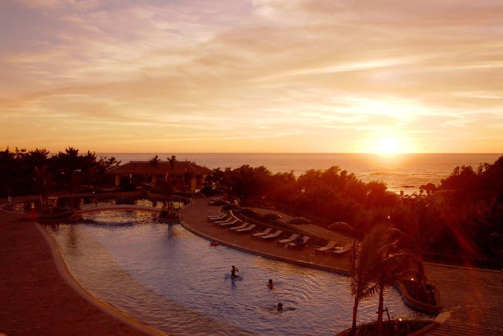 오키나와 매리어트 리조트 앤드 스파(Okinawa Marriott Resort & Spa) Hotel Image 40 - Outdoor Pool
