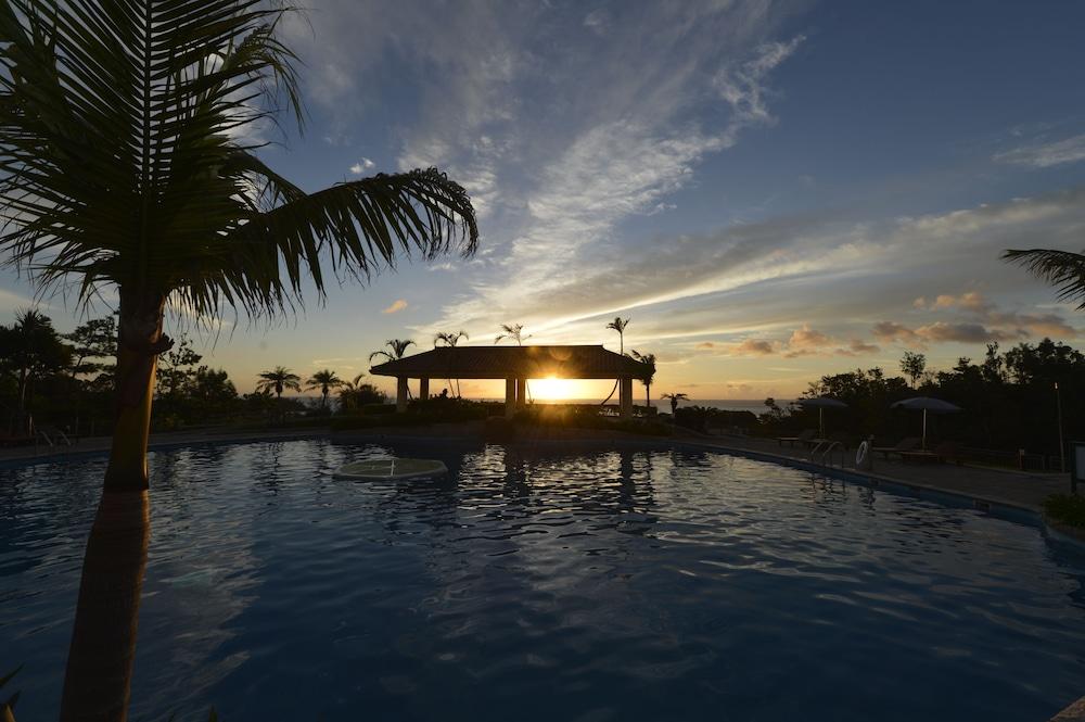 오키나와 매리어트 리조트 앤드 스파(Okinawa Marriott Resort & Spa) Hotel Image 52 - Outdoor Pool