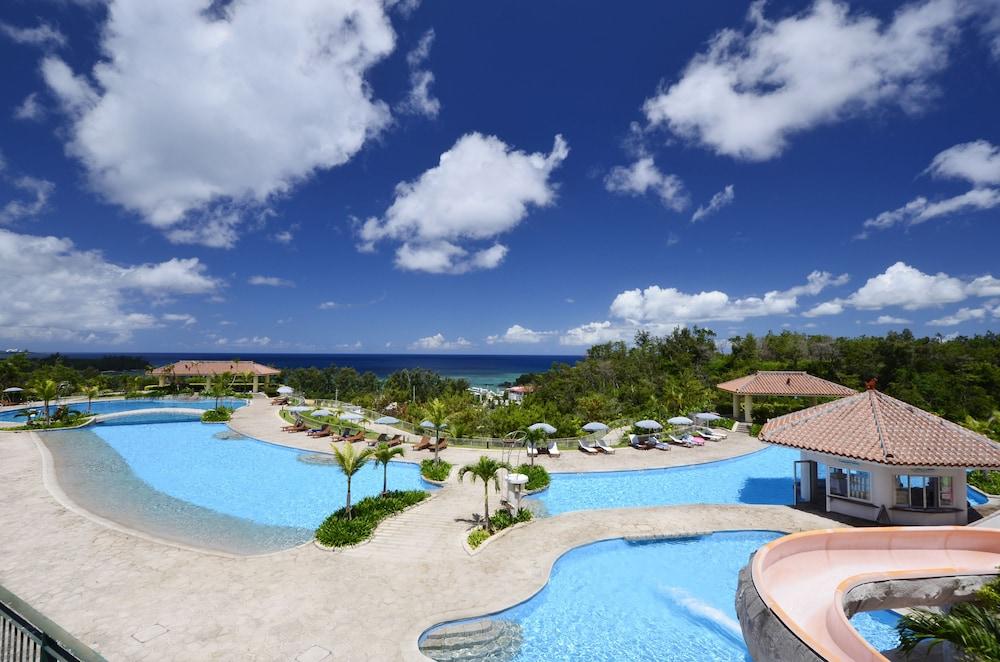 오키나와 매리어트 리조트 앤드 스파(Okinawa Marriott Resort & Spa) Hotel Image 46 - Outdoor Pool